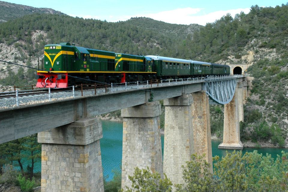 Tren dels Llacs i El Llac de St. Maurici