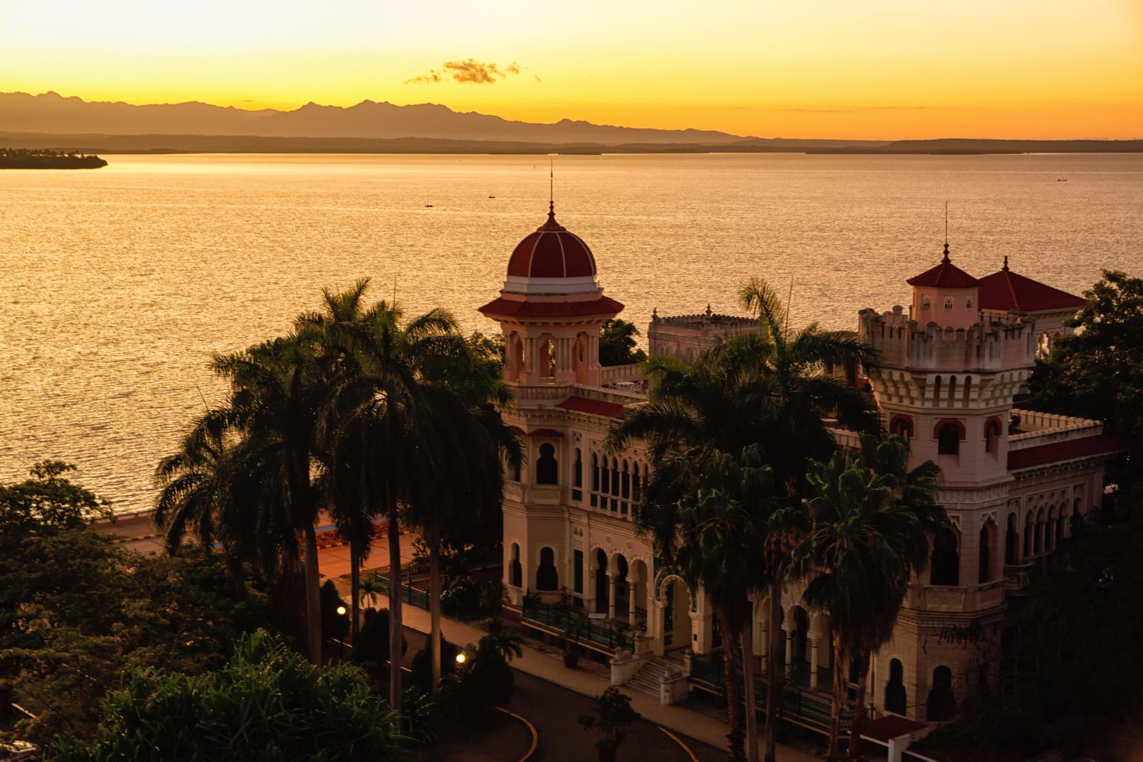 Habana - Circuito Recorriendo el Centro Folleto - Guardalavaca - Habana