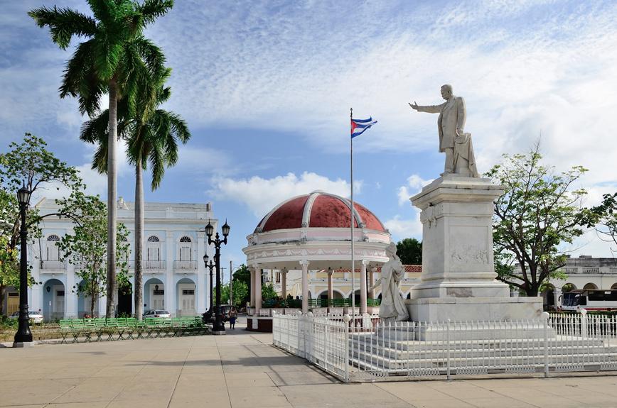 Habana - Circuito Recorriendo el Centro Folleto - Cayo Coco - Habana