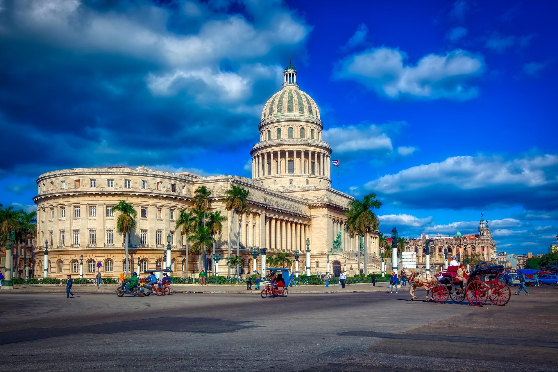 Cuba - Andando El Centro